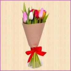 Яркие тюльпаны