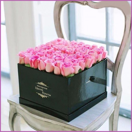 25 Роз в квадратной коробке